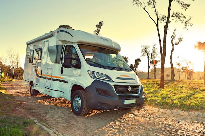 Motorhome Rental - CampRoutes 2