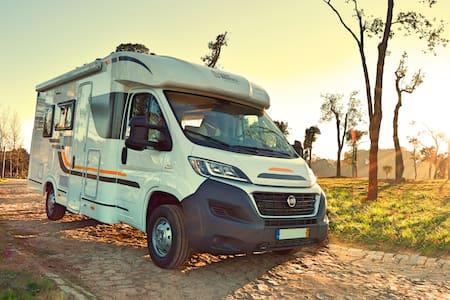 Location Camping-car - CampRoutes 2 - Esmoriz - Wohnwagen/Wohnmobil