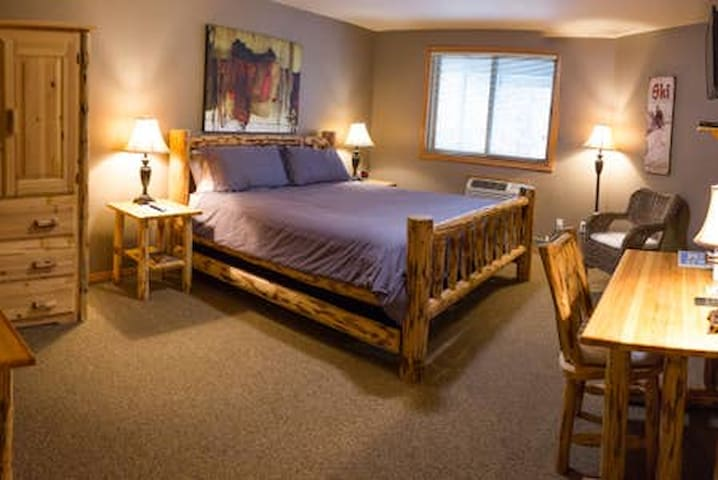 River Pines Inn -  River Suite #4