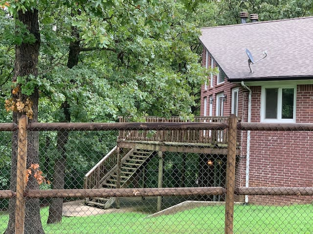Catoosa - Large Home nestled among the trees