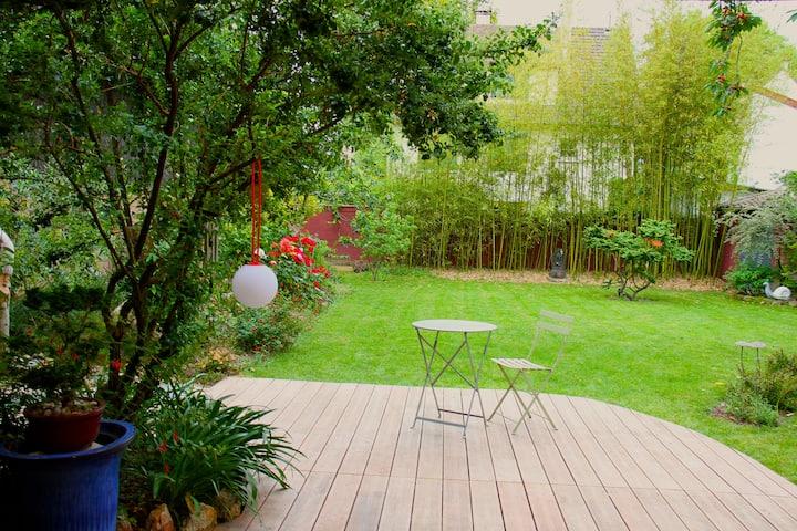 Chambre privée sur jardin  paysagé proche de Paris