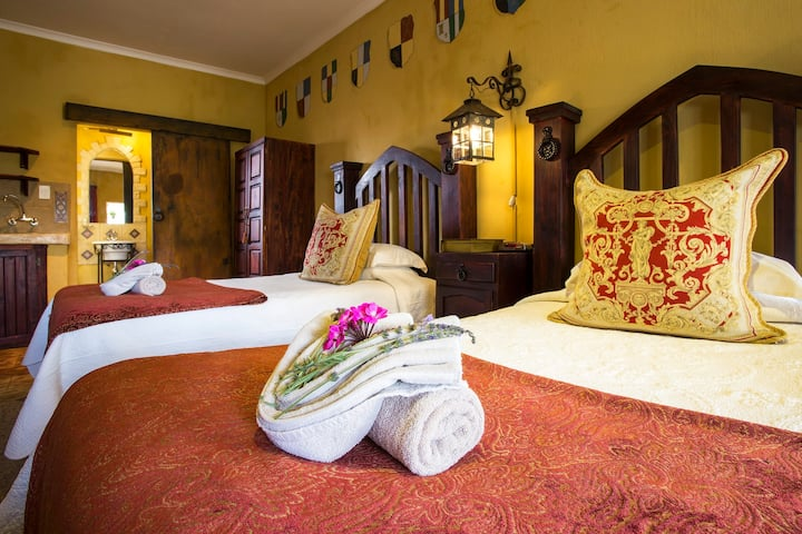 De Ark Guest House Gothic Room 1 - Self Catering
