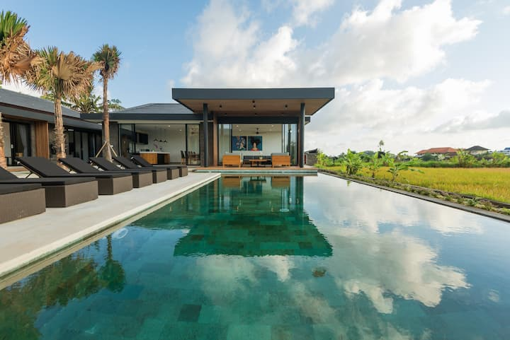 PROMO -70%- Stunning 4BR Paradise Amidst Ricefield