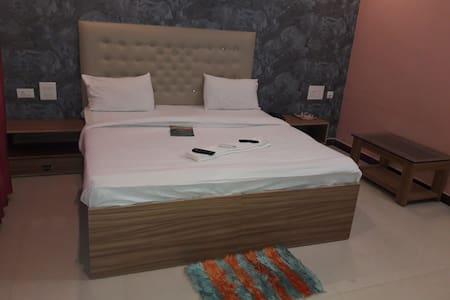 hotel kriti stay log