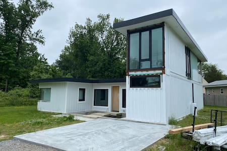 Shipping container home- Lakeside