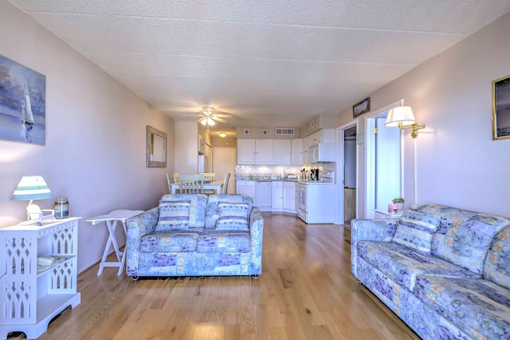 North Wildwood Beach Condo Steps from Jersey Shore