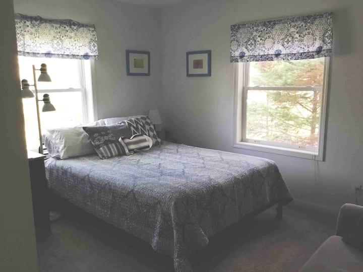 Tranquil   Edgartown, queen bedroom  in home BnB