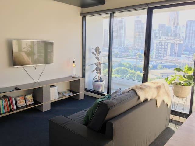 Stylish CBD home FREE Netflix HotTub WIFI Carpark - Southbank - Byt