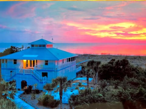 Captivating beach front views!