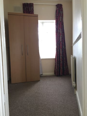 London - Eastcote - single room