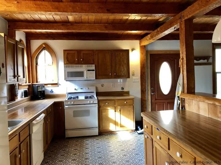 Rustic retreat on 22 acres just minutes to town
