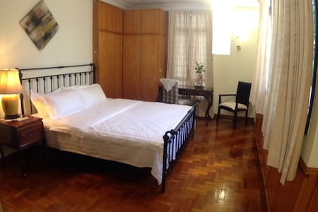 (B) Cozy KINGBedSuite+Pvt Bathroom+BREAKFAST - Singapura