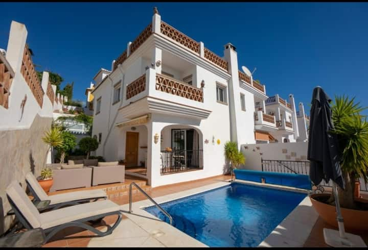 MARINA BELLA Luxury spacious 3  bed Villa Nerja