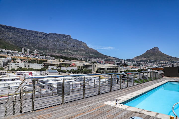 Modern 2 Bedroom Apartment In Cape Town