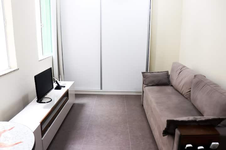 Conjugado confortável recém reformado de 20 m2