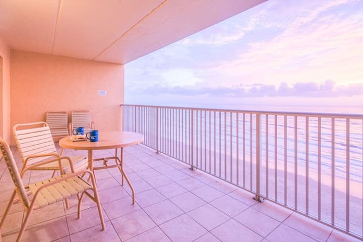 SOUTH PADRE ISLAND OCEANFRONT APARTMENT