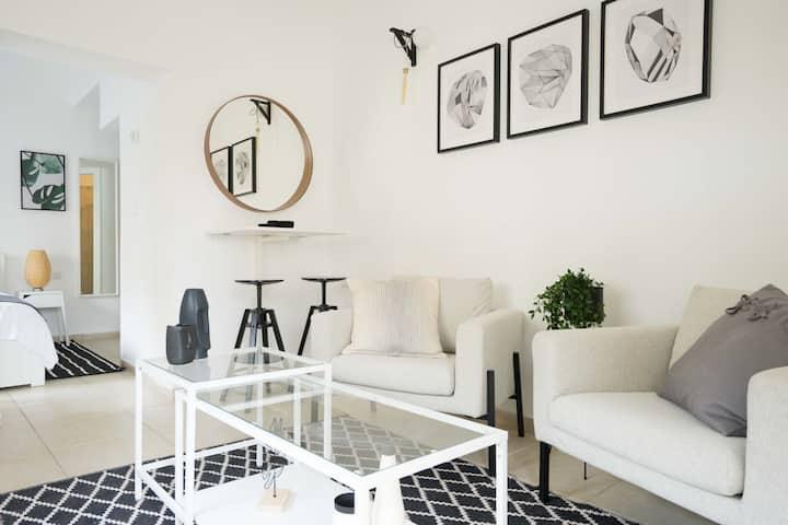 YARKON - Beach & Terrace Studio