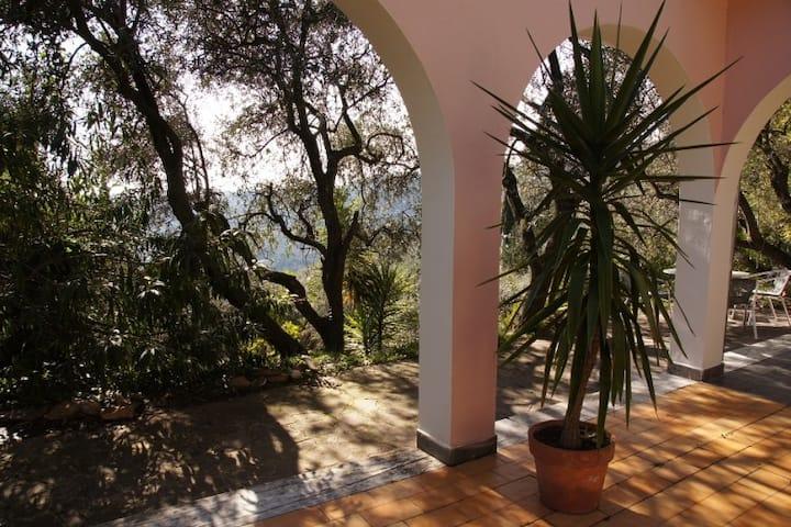 Charming Getaway - Casa Ligure