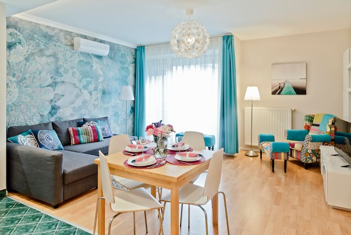 Central Ring Apartment-full NEW free parking - Budapest - Lägenhet