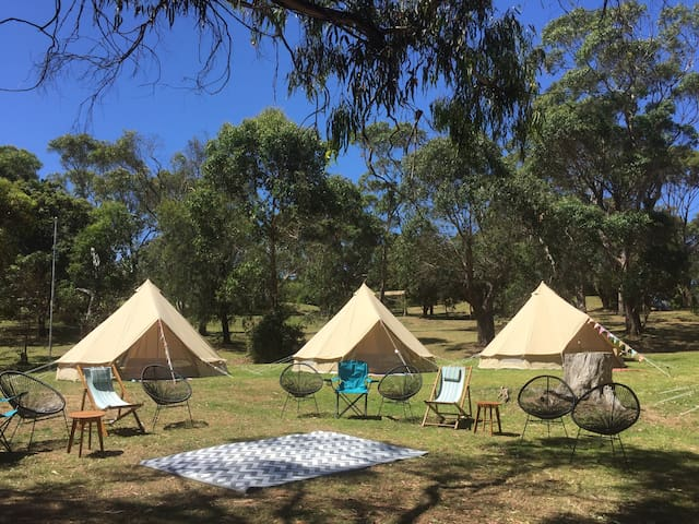 Glamping Bell Tent Getaway - Red Hill South - Tipi