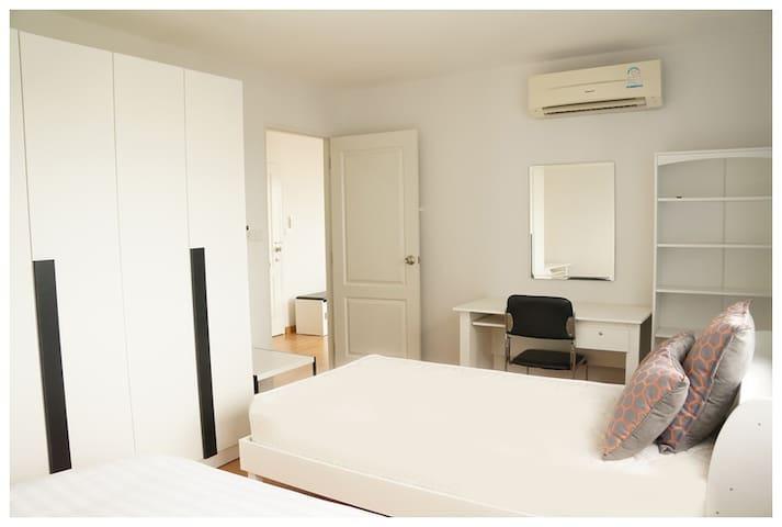 คอนโด 1 ห้องนอน Cozy, spacious 1 bedroom (43sqm) - Khon Kaen - Serviceret lejlighed