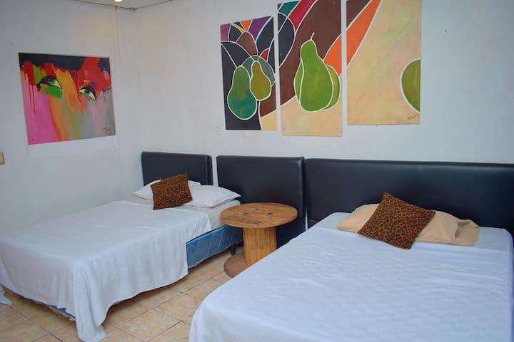 """Villa Napoli Bed & Breakfast""base to move around!"