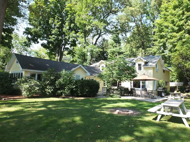 Lorlee - NEW LISTING WITH INTRODUCTORY PRICING!