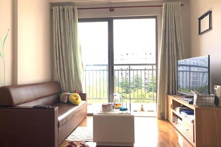 eStay - Private room in 5th floor Apartment