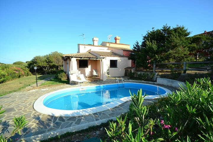 Villa on a hill near Stintino and only 3km from the sea