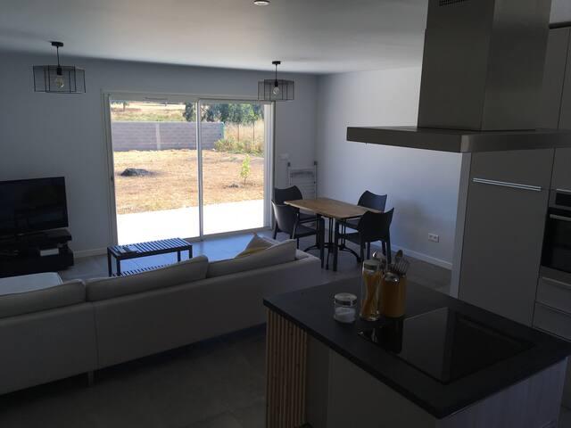 Maison moderne et paisible pour 4 personnes