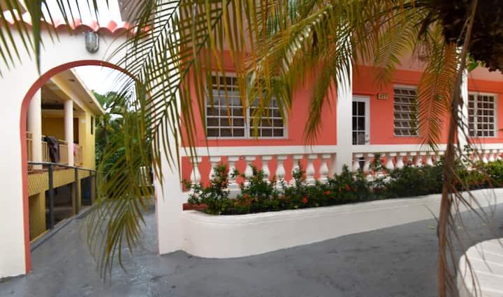 Casa & Casita Magnolia (whole property) Esperanza