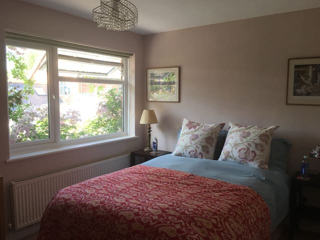Pretty double room with private bathroom next door