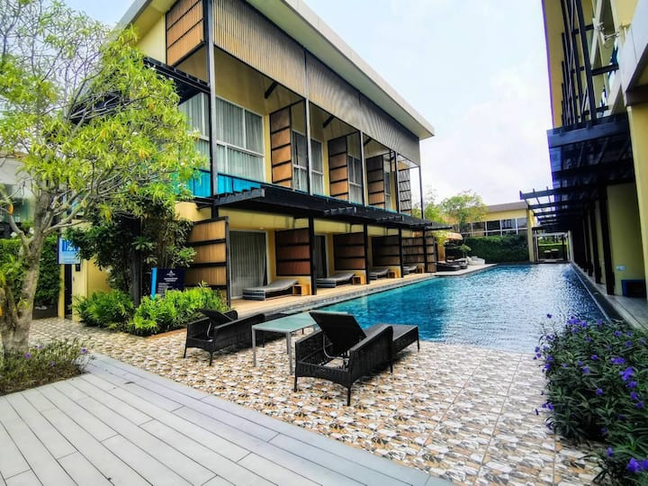 Sikhara Plago Resort (Beach Walk Boutique Resort)