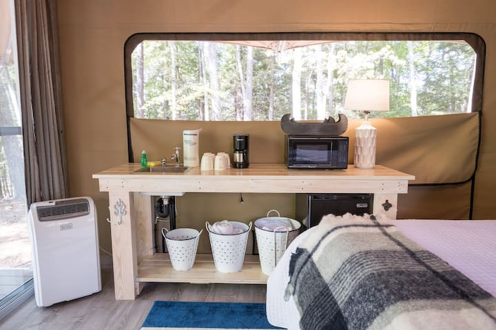 Point Sebago Resort - The Wayfarer Glamping Tent