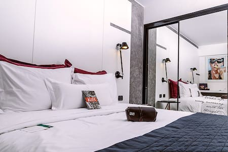 Habitación doble (cama King) o simple