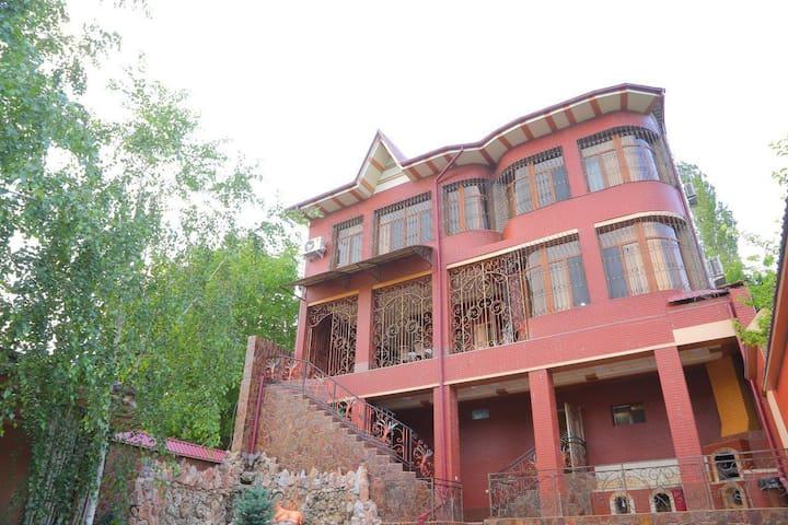Country house in Gazalkent, Tashkent  Region