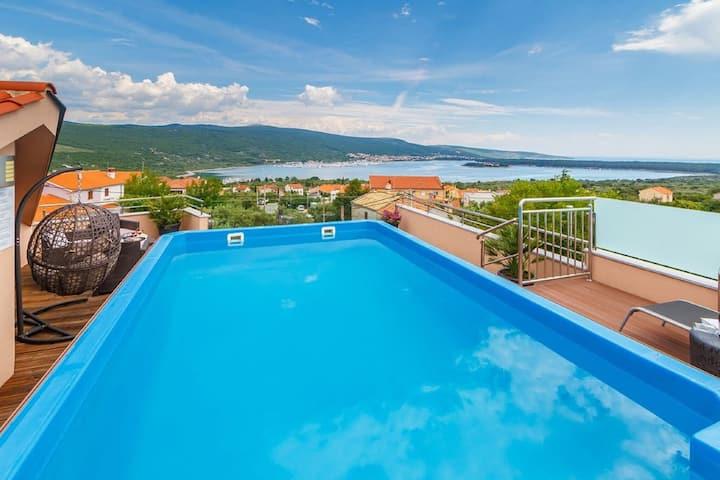 Seaview Villa in Kornic Kvarner with Outdoor Jacuzzi