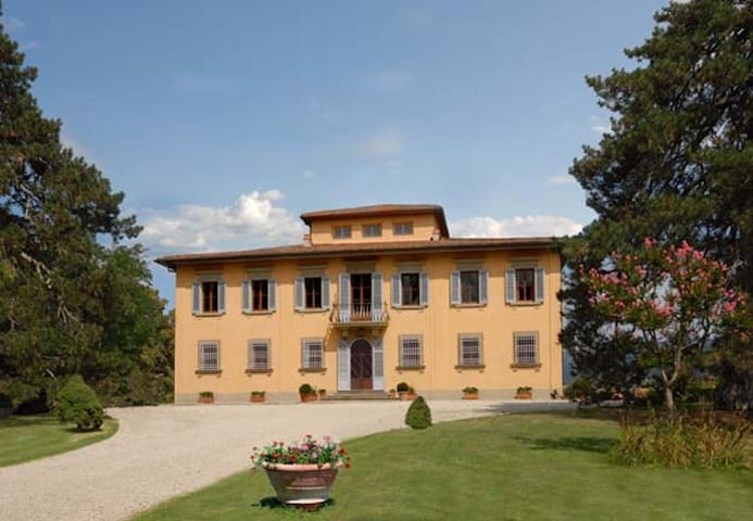 Panoramic villa with large park and swimming pool - Vicchio