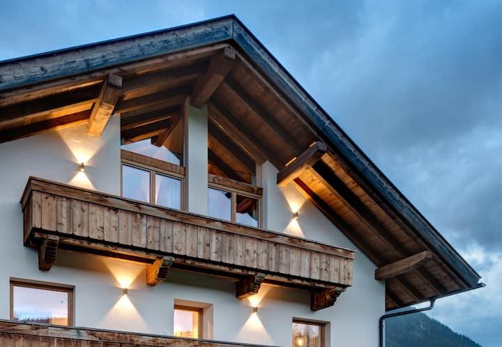 Traumhafte, nagelneue Ferienwohnung in Leutasch