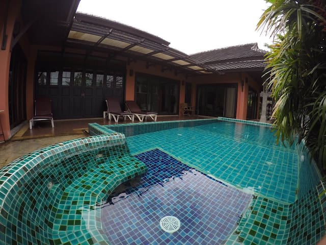 2 bedrooms&pool house@ Surin beach - Kammala - Casa