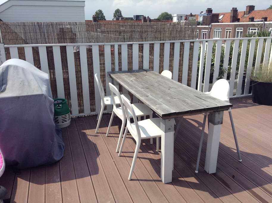 30m2 terrace with gas bbq