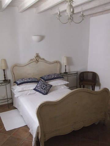 B&B - traditional Algarve townhouse - Castro Marim - Bed & Breakfast