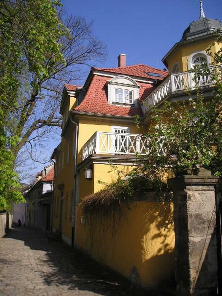 """Gelbe Villa"" Weimar"