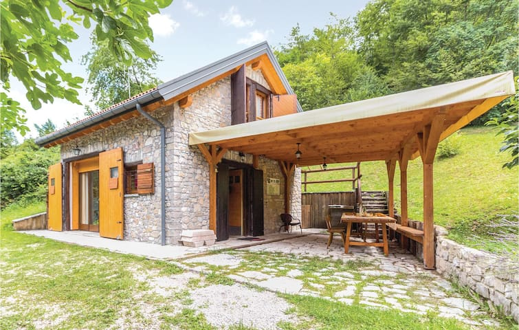 Holiday cottage with 1 bedroom on 60 m² in Soverzene (BL)