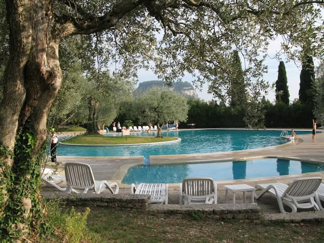 Garda Lake Apartment with park view - Garda - Huoneisto