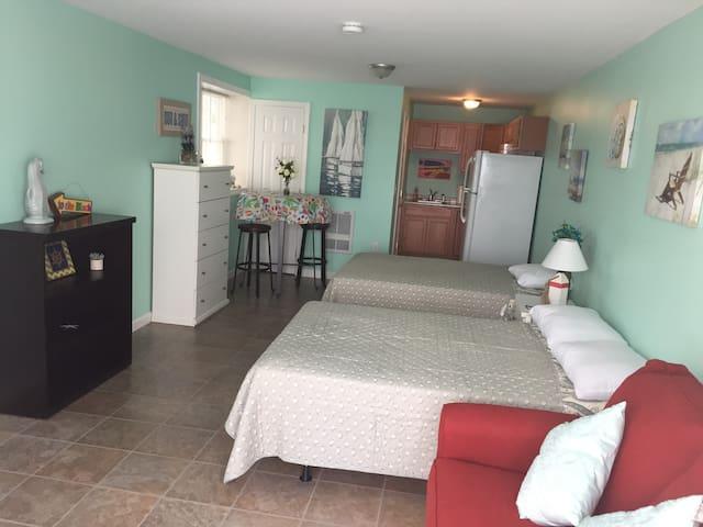Remodeled Hampton Beach Rental/Steps fr Beach - Hampton - Apartment
