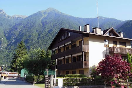 Cozy flat with wifi - 2min from Pinzolo cablecars - Apartment