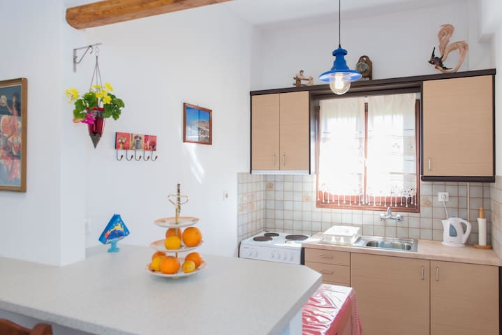 Pension Afroditi (+kitchen) in Sifnos center - Apollonia
