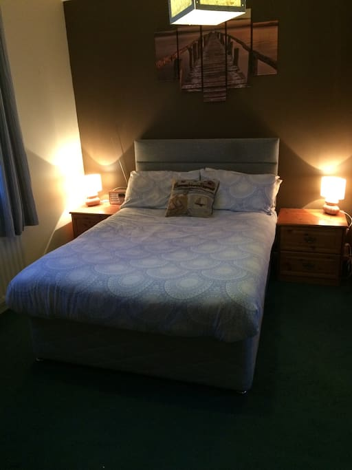 Relaxing double room with Harbour Views €45 per night