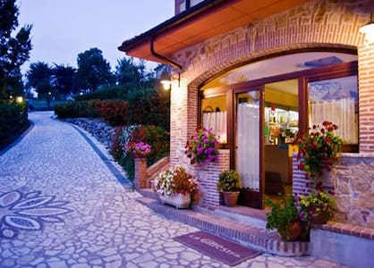 La Ginestra B&B - Torricella In Sabina - Bed & Breakfast